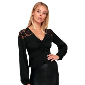 Lulu's Renna Black Lace Long Sleeve Ruched Top Med